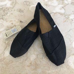 BNWT Toms Classic Black-On-Black Burlap Slip-Ons